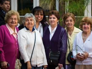 Algunos asistentes de la Misa del Rosario del Alba en 2013.