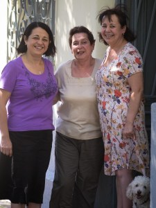 Iris Fredes, Iris Hormazabal, Janet Fredes, y Bambi