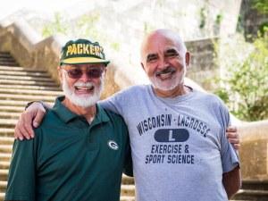 Mi papá y Carlos en Estella, España.