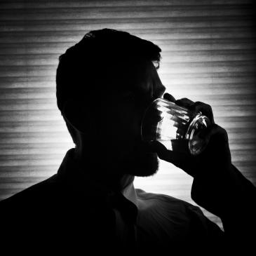 ¿Cómo puede apoyar la familia a un alcohólico?